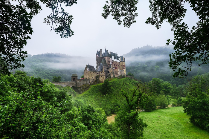 eltz-castle-germany-zamok-elc-germaniya (700x465, 449Kb)