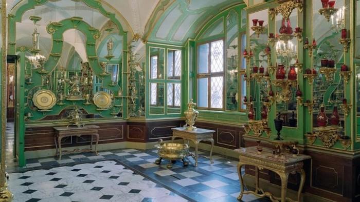 Музейную сокровищницу «Зеленый свод» обокрали на миллиард евро