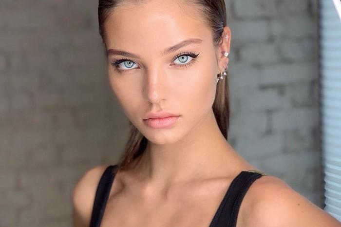 Алеся Кафельникова снялась у обнажающего моделей фотографа