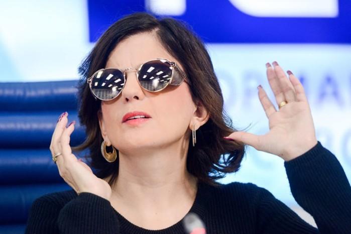 Как выглядит Диана Гурцкая без очков