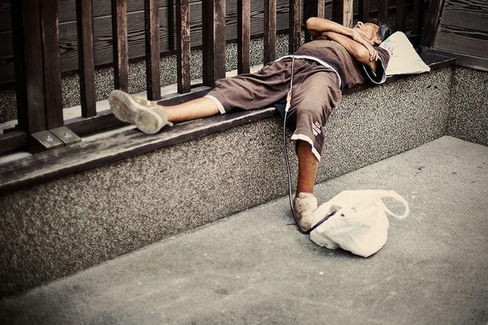 Названы самые вредные для сна привычки