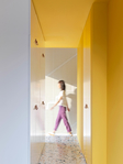 Превью house-p-mddm-studio-yellow-apartment-interiors-beijing-china_dezeen_2364_col_13 (525x700, 318Kb)