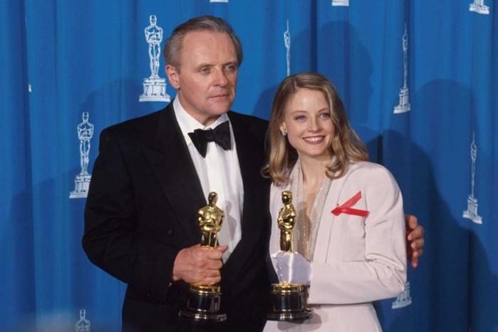 Энтони Хопкинс и Джоди Фостер на церемонии вручения премии Оскар