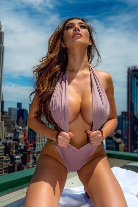 Красивые сексуальные девушки (фотографии)