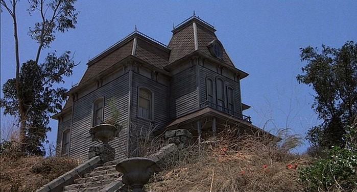 Знаменитые дома из культовых кинофильмов: попробуй угадай!