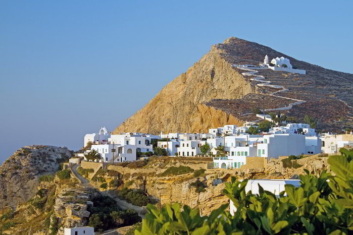 hora-of-folegandros-at-sunset-in-cyclades (700x466, 80Kb)