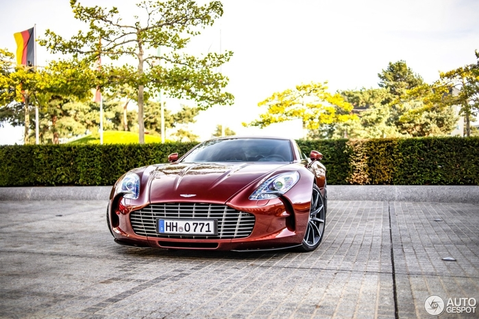 aston-martin-one-77-c752430092018111323_10 (700x466, 288Kb)