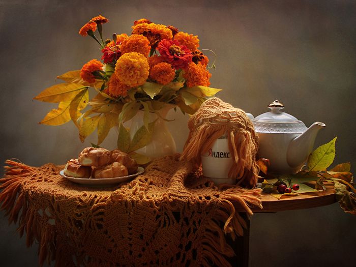 Still-life_Tagetes_Kettle_Pastry_Table_Vase_555396_1024x768 (700x525, 478Kb)