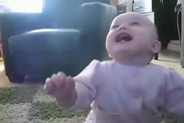 Смешной малыш