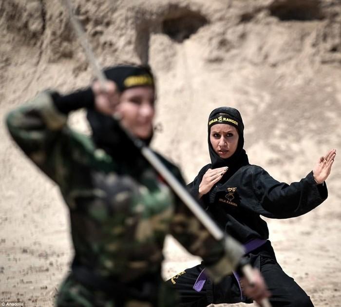 Непобедимый народ  и женщины ниндзя