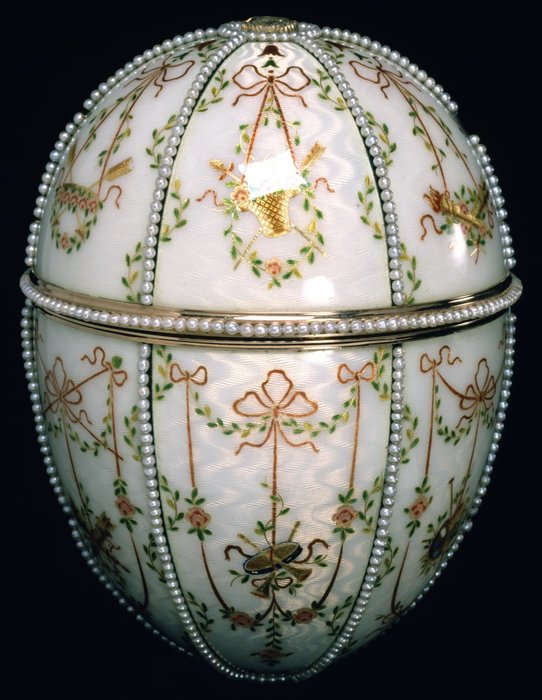 House_of_Fabergé_-_Gatchina_Palace_Egg_-_Walters_44500_-_Closed (542x700, 78Kb)
