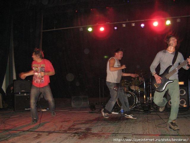 http://img1.liveinternet.ru/images/foto/b/0/417/740417/f_10884651.jpg