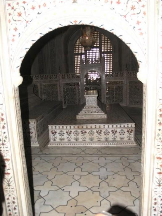 Тадж-Махал 46015