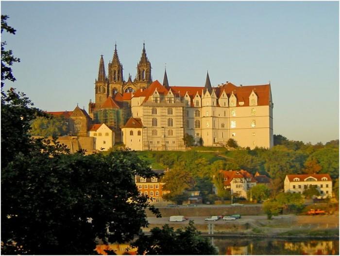 Крепость Альбрехтсбург (нем. Albrechtsburg) 28110