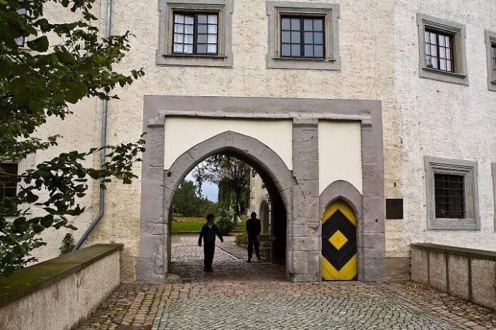 Замок Носсен (нем. Schloss Nossen) 56533