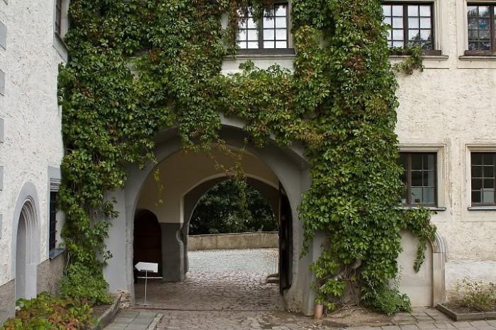 Замок Носсен (нем. Schloss Nossen) 50551