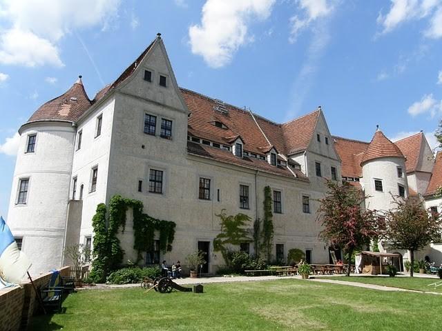 Замок Носсен (нем. Schloss Nossen) 50117