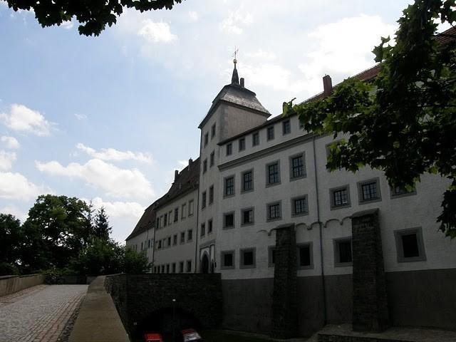 Замок Носсен (нем. Schloss Nossen) 79170