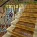 Лестница в подъезде одного из жилых домов Киева, расписанном пенсионером Владимиром Чайкой в стиле барокко.