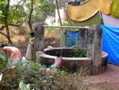 [+] Увеличить - Разделение труда-мальчишка тянет воду,девочки стирают:)