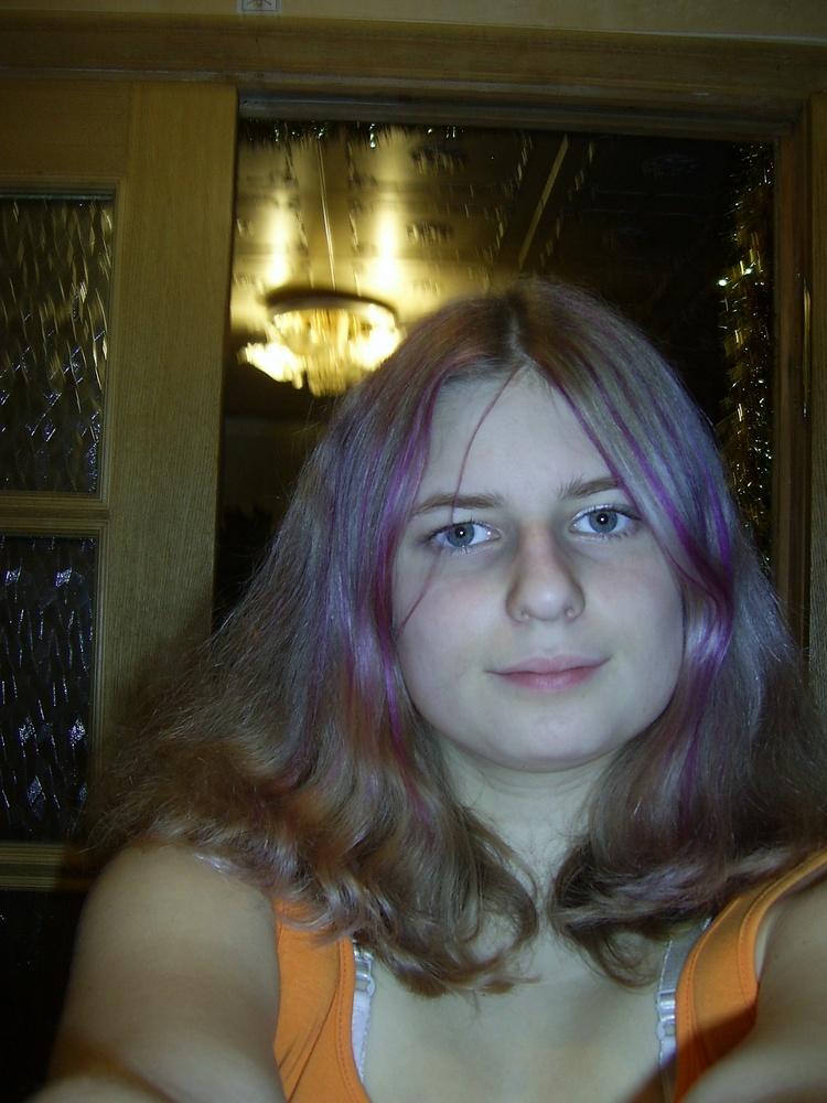 Фото на тему фиолетовые волосы фото.