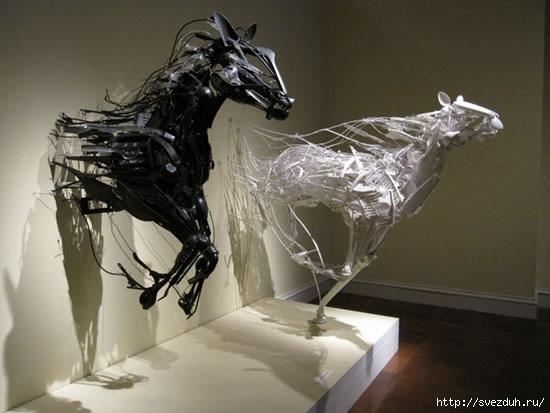скульптуры из пластика