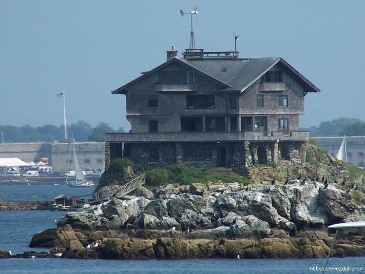 фото дом на скале