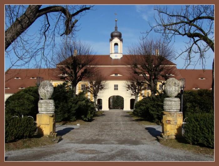 Замок Рамменау (нем. Barockschloss Rammenau) 39700