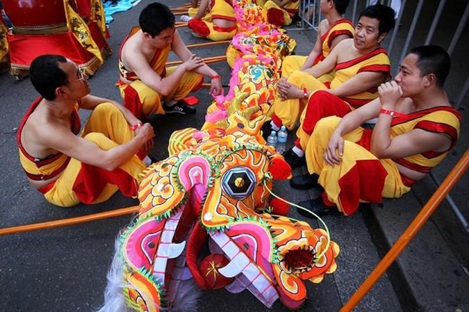 Китайский новогодний парад Сумерки в Сиднее, Австралия, 21 февраля 2010 года.