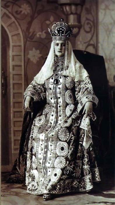 1353583 1903 ball   tsarina alex Царь Николай II возрождал Россию. Собрание редких фотографий