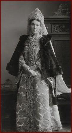 1353601 1903 ball   elena nik. bezak 2 Царь Николай II возрождал Россию. Собрание редких фотографий