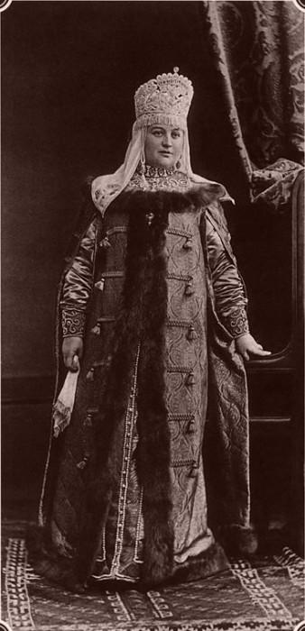 1353615 1903 ball   elena vlad. golitsyna Царь Николай II возрождал Россию. Собрание редких фотографий