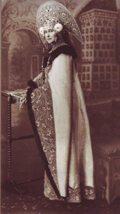 1353651 1903 ball   elizab. fed. Царь Николай II возрождал Россию. Собрание редких фотографий
