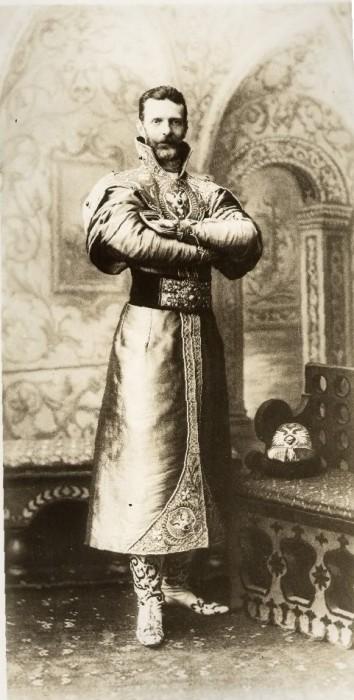 1353701 1903 ball   sergey alex. Царь Николай II возрождал Россию. Собрание редких фотографий
