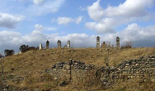 http://img1.liveinternet.ru/images/foto/b/1/apps/1/366/1366753_agdam11-cemetery1.jpg