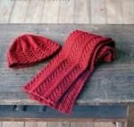 Красный комплект из шапки и шарфа.  Шарф и шапка вяжутся на спицах 5,75...