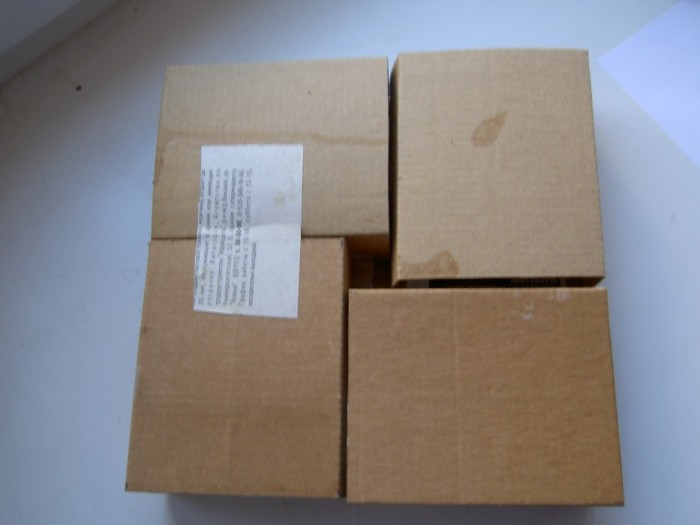 Соединила коробки и проклеила с двух сторон картоном