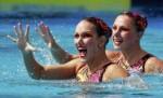 Апполина Дрейфус и Хлоя Уиллхелм (Apolline Dreyfuss and Chloe Willhelm) из Франции. Выступление пар на чемпионате Европы по синхронному плаванию в Будапеште, 5 августа 2010 года.