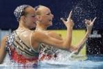 Дарья Лушко и Ксения Сидоренко (Daria Iushko and Kseniya Sydorenko) из Украины. Выступление пар на чемпионате Европы по синхронному плаванию в Будапеште, 5 августа 2010 года.