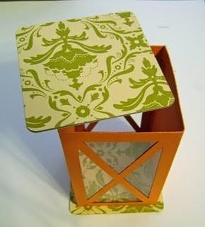 Фонарик из коробки