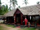 [+] Увеличить - Пляж Варкала,штат Керала.Индийский Дед Мороз;))