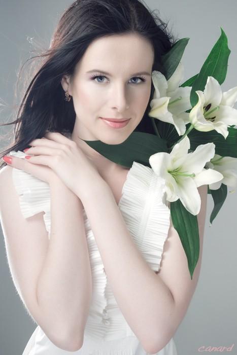 Fleur de Lis - Nina Swan