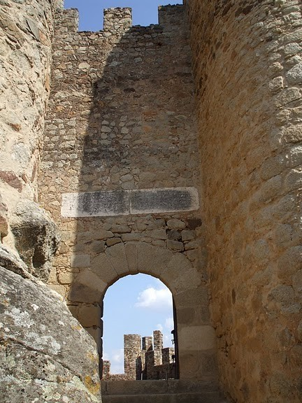 Замок Альмурол (Castelo de Almourol) 76608