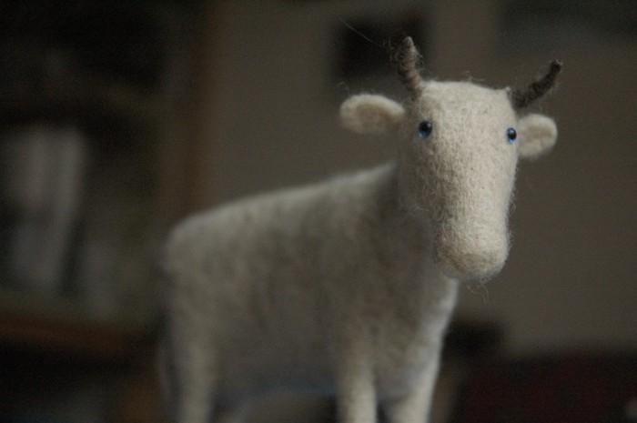Звери by Victor Dubrovsky 1586675_dubr_cow_felted_toy7