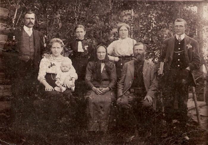 Ок.1912. Семья моих прадеда и  прабабушки