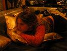 [+] Увеличить - Дочик на золотых подушках:)