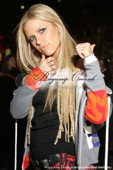 Загорелые красивые девушки в стрингах и затем приличные фото красивых блонд