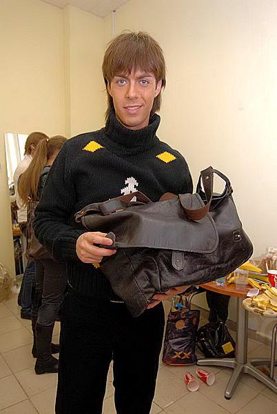 Сумки звезд 2. Елена Ленская. все фото.  Марк Тишман с сумкой. предыдущая.