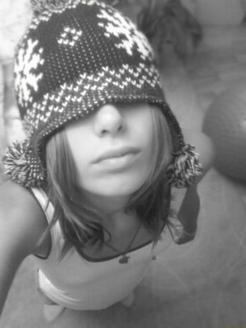 шапки с адидасом женские картинки.