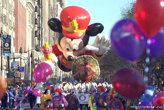 парад шаров в нью йорке на день благодарения